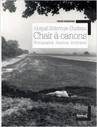 Chair à canons : photographie, discours, féminisme