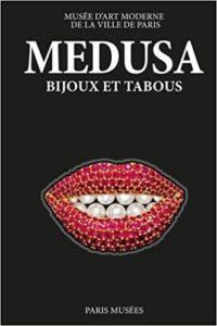 Medusa : bijoux et tabous