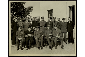 American and British officers at war conference